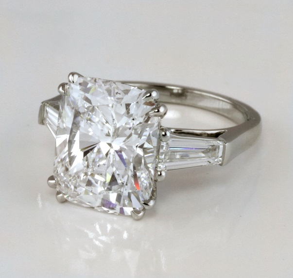 What Are The Best Diamond Shapes For My Engagement Ring